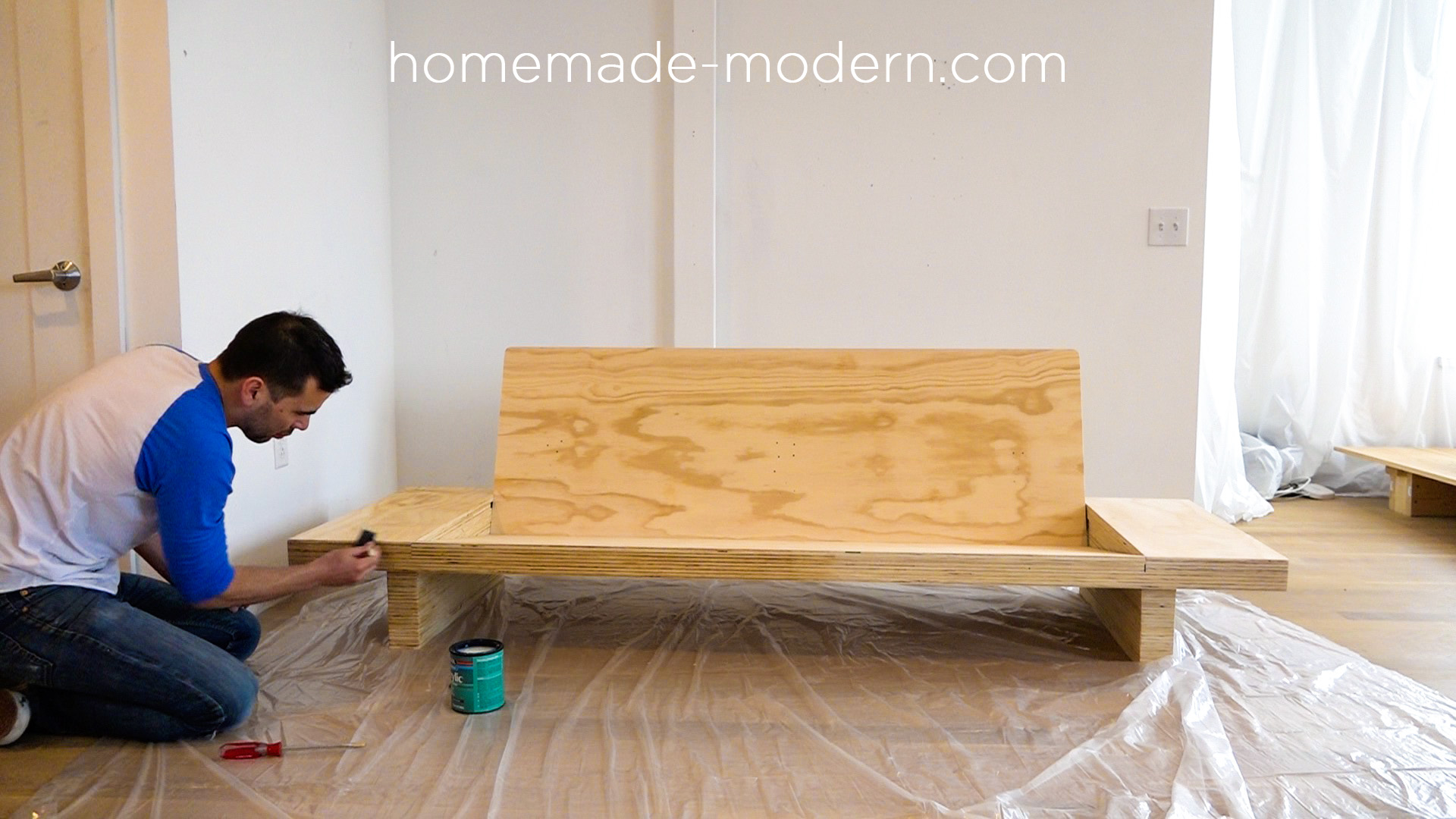 How to make a sofa table out of floor boards - This Diy Modern Plywood Sofa Is Made Out Of 2 1 2 Sheets