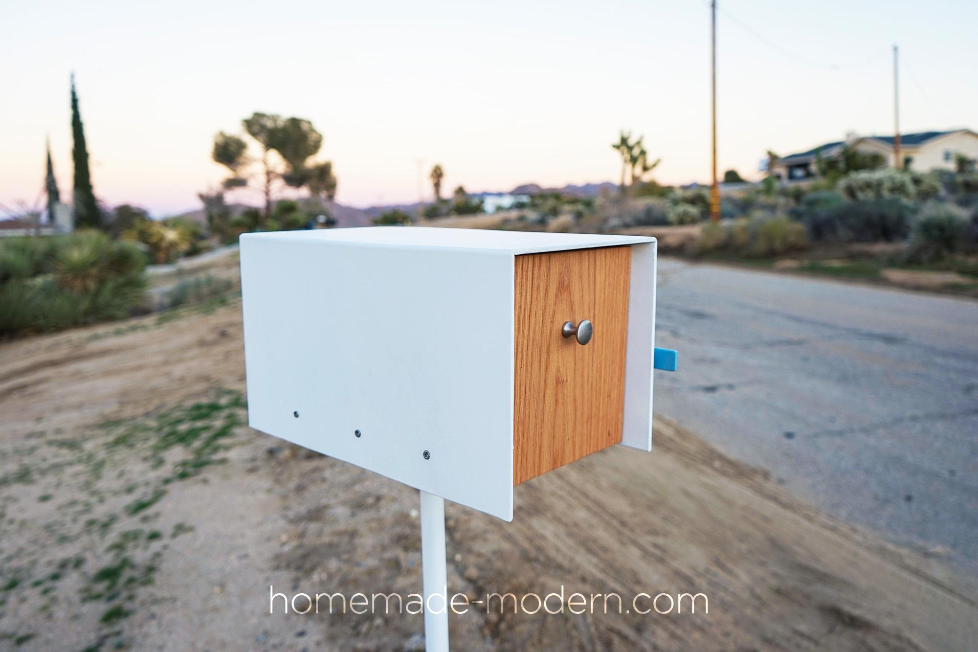 http://www.homemade-modern.com/wp-content/uploads/2018/12/diymodernmailbox-banner.jpg