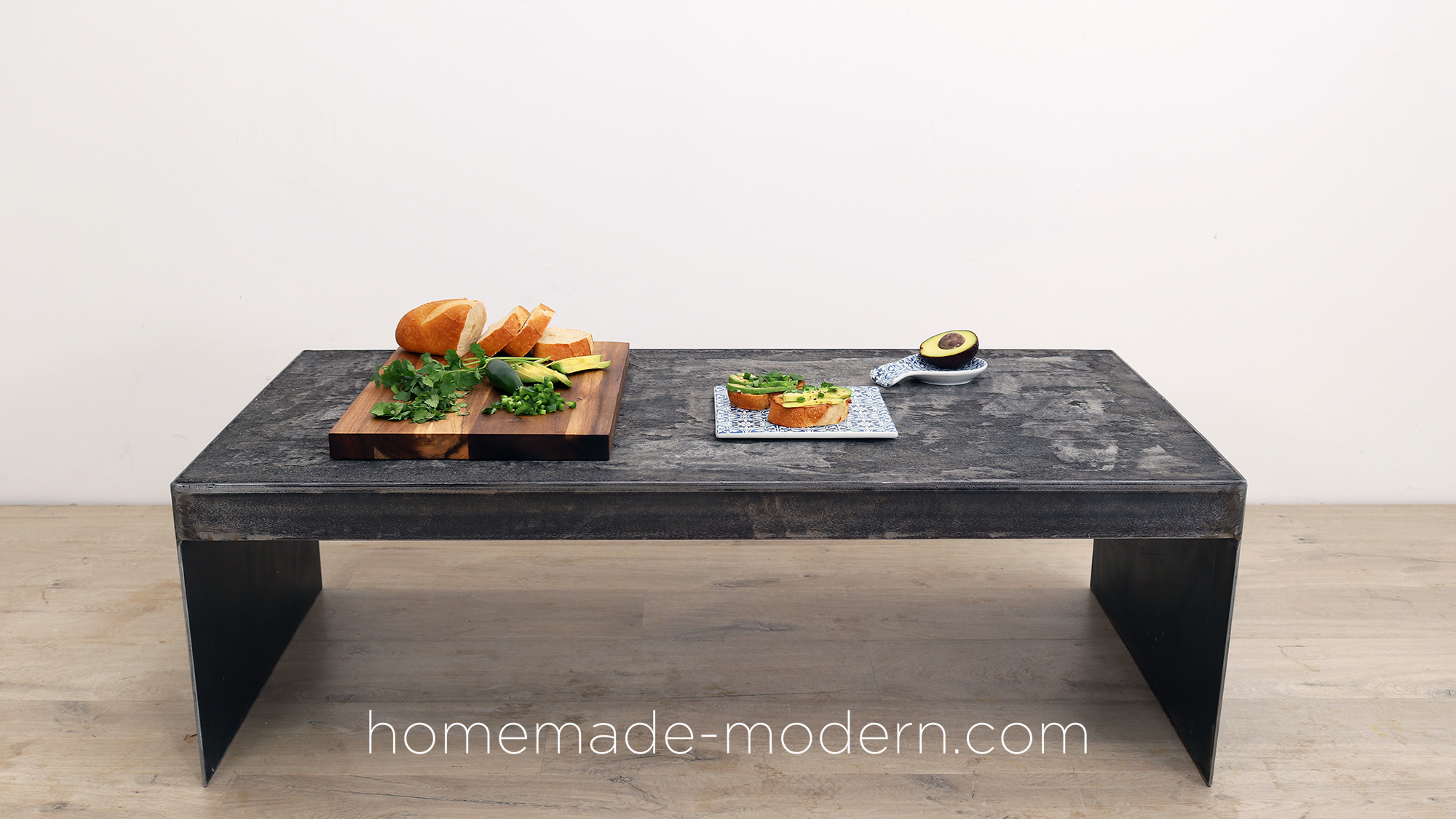 http://www.homemade-modern.com/wp-content/uploads/2019/03/blackconcretetable-final002.jpg