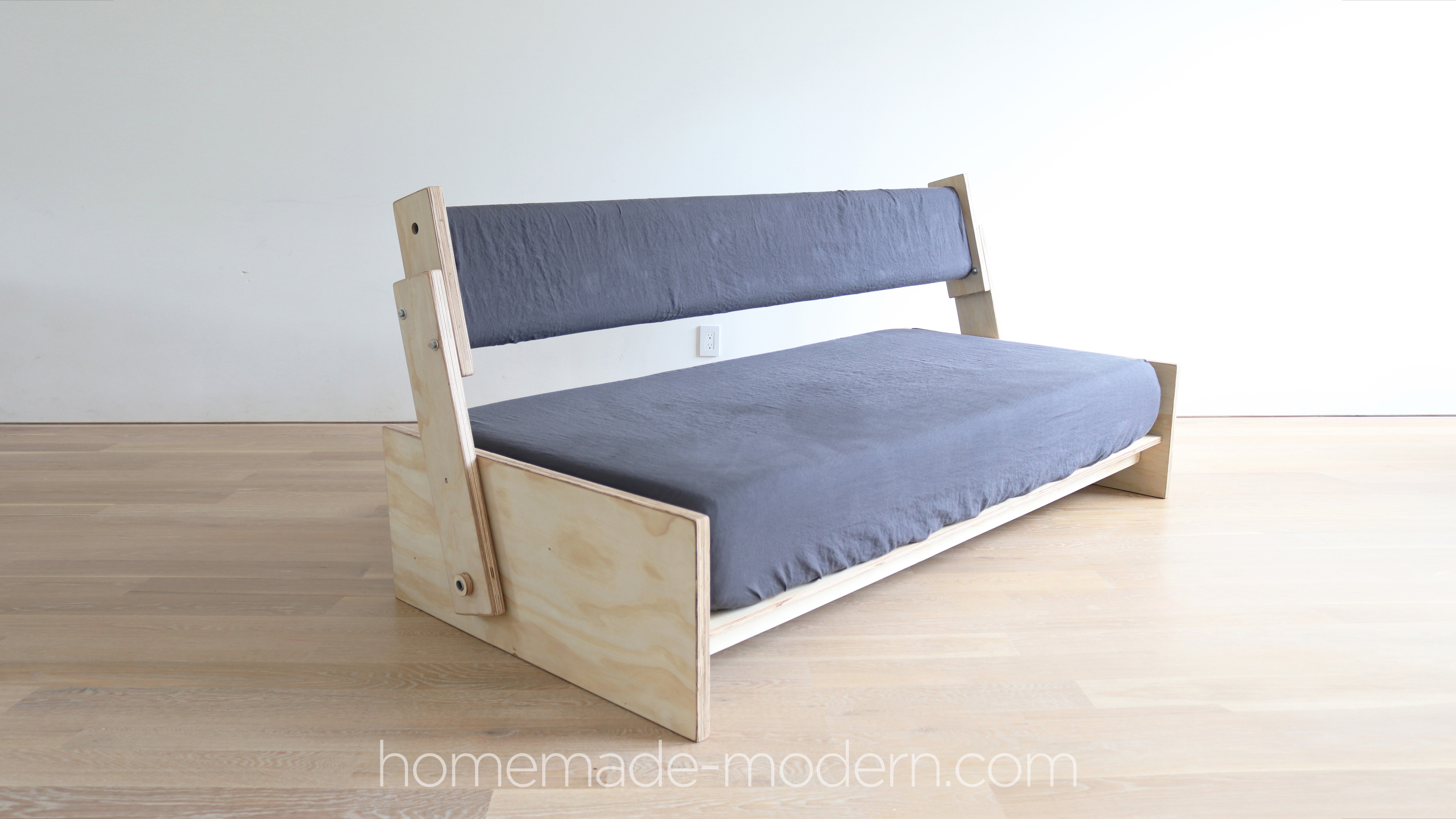 http://www.homemade-modern.com/wp-content/uploads/2020/04/sofabed-003.jpg